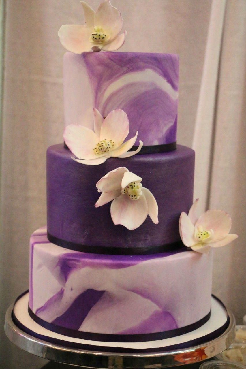 Fall wedding cakes to fit the season in 2020 purple