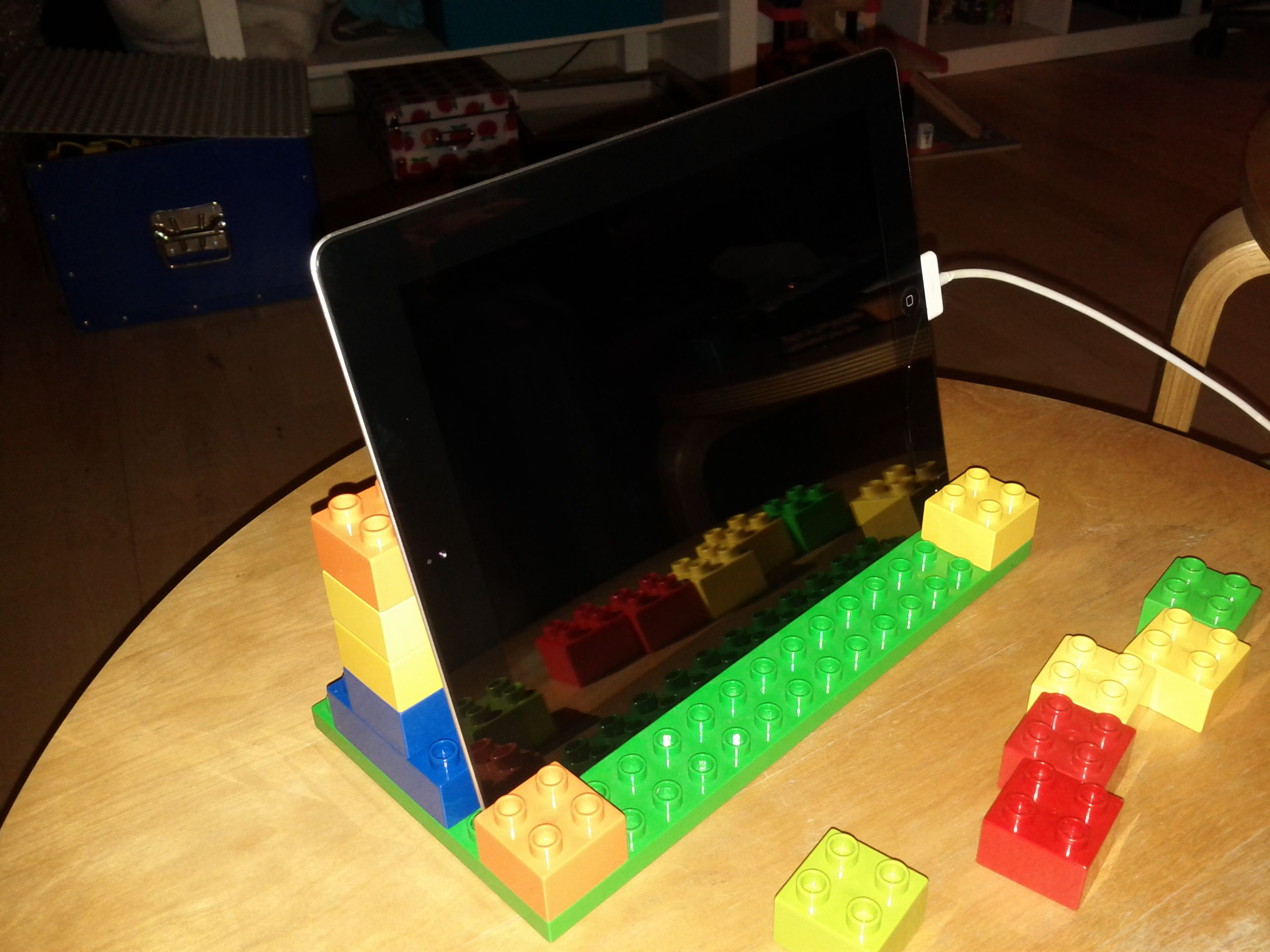 An iPad stand made out of Duplo bricks   Ipad stand, Scandinavian toys, Diy  ipad stand