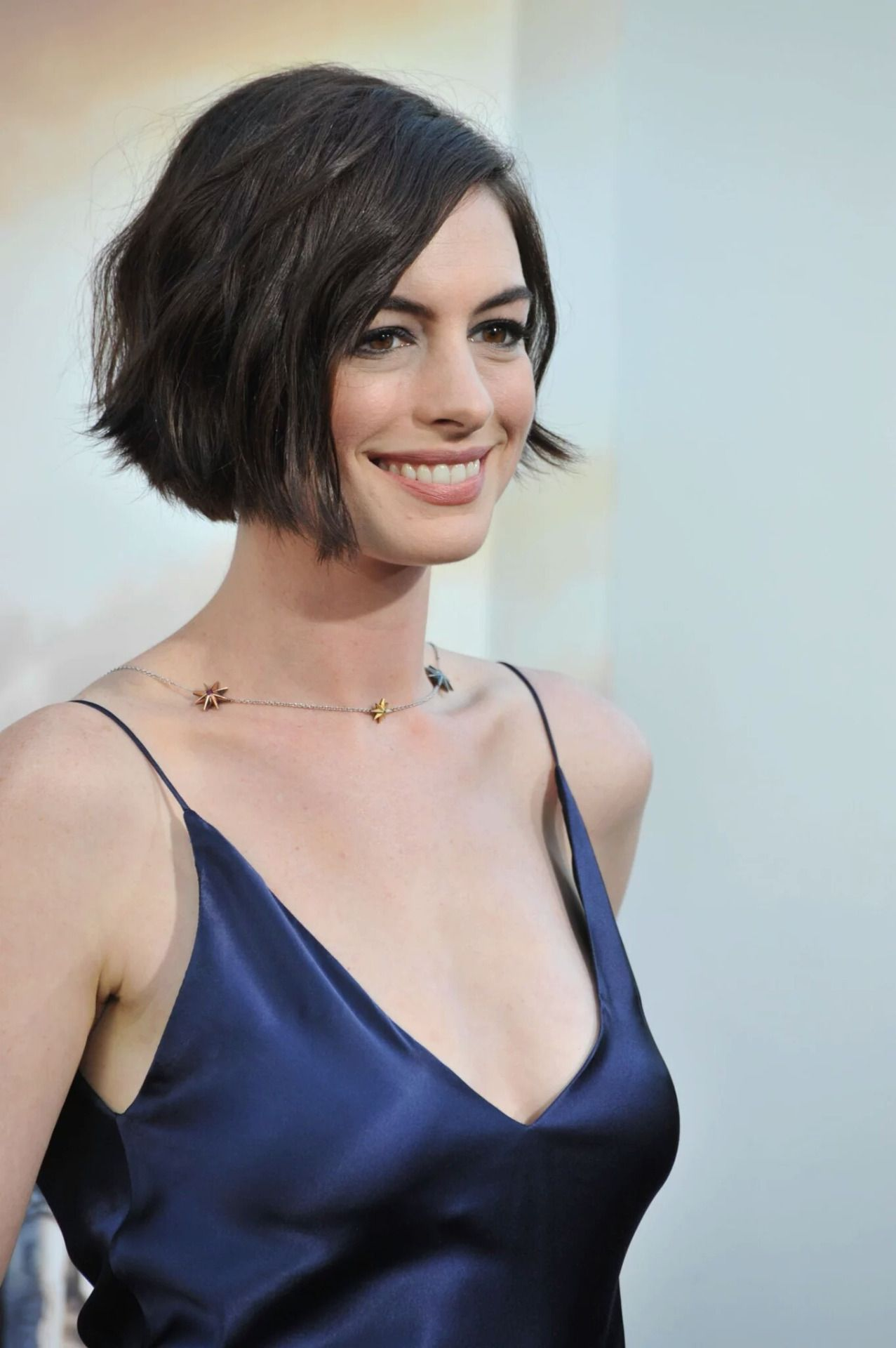 Anne Hathaway Makeup looks, Woman face