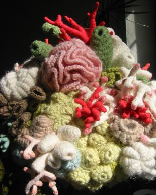 Some photos of the Coral Garden Hat which I wore to the opening reception at the Winter Garden, WFC on Sunday....... it was a hit. I sat sewing and crocheting in my hotel room that morning, trying to finish it...