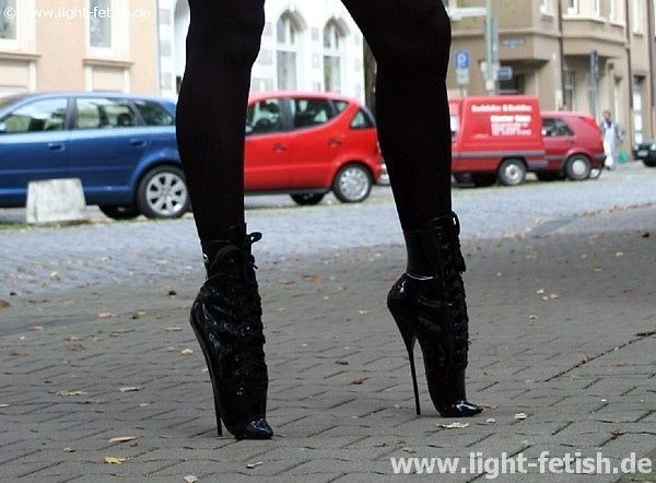 Walking in fetish heels