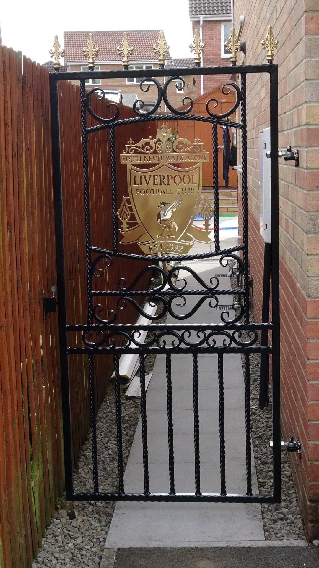 Liverpool Gate Con Imagenes Rejas