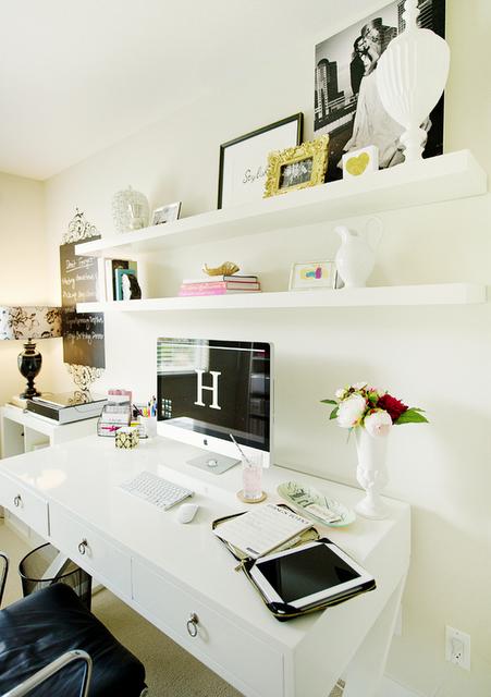 Feminine Office E