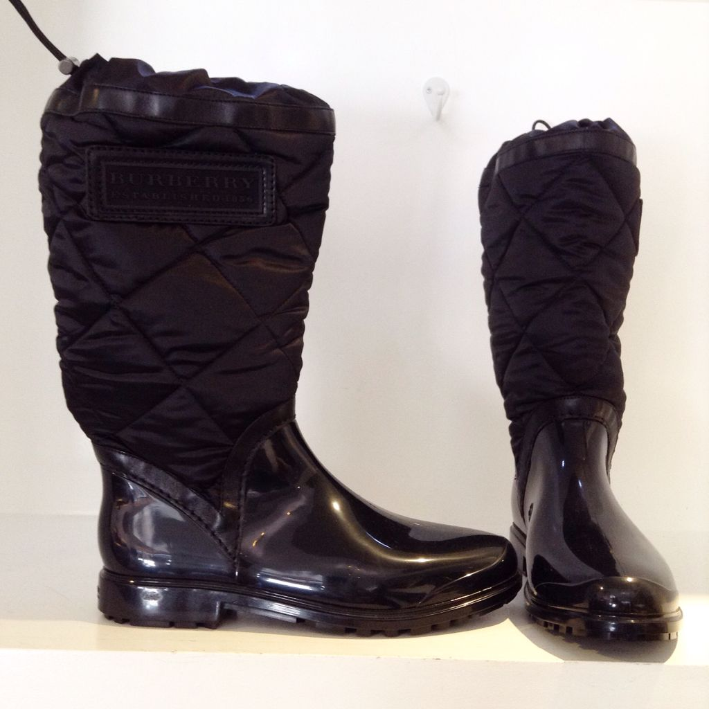 Burberry quilted nylon on rubber boot. Perfect for rain or snow ... : burberry quilted rain boots - Adamdwight.com