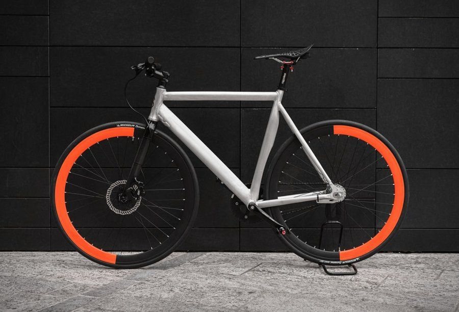 Equilibrium Fahrrad mit stylischer halben Felgenfaerbung | Vehicles ...