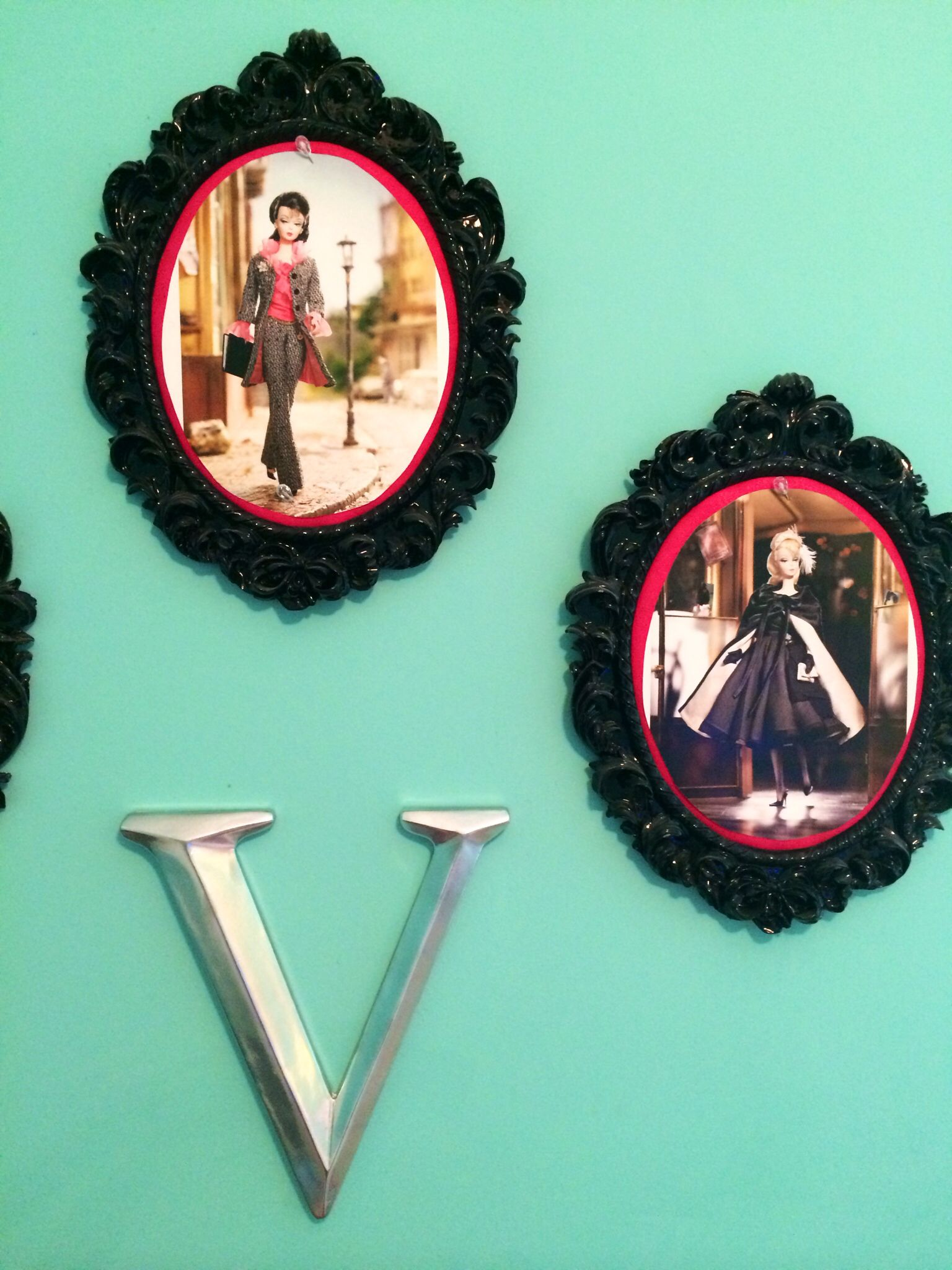 Easy and inexpensive wall decor ideas for a little girls room I