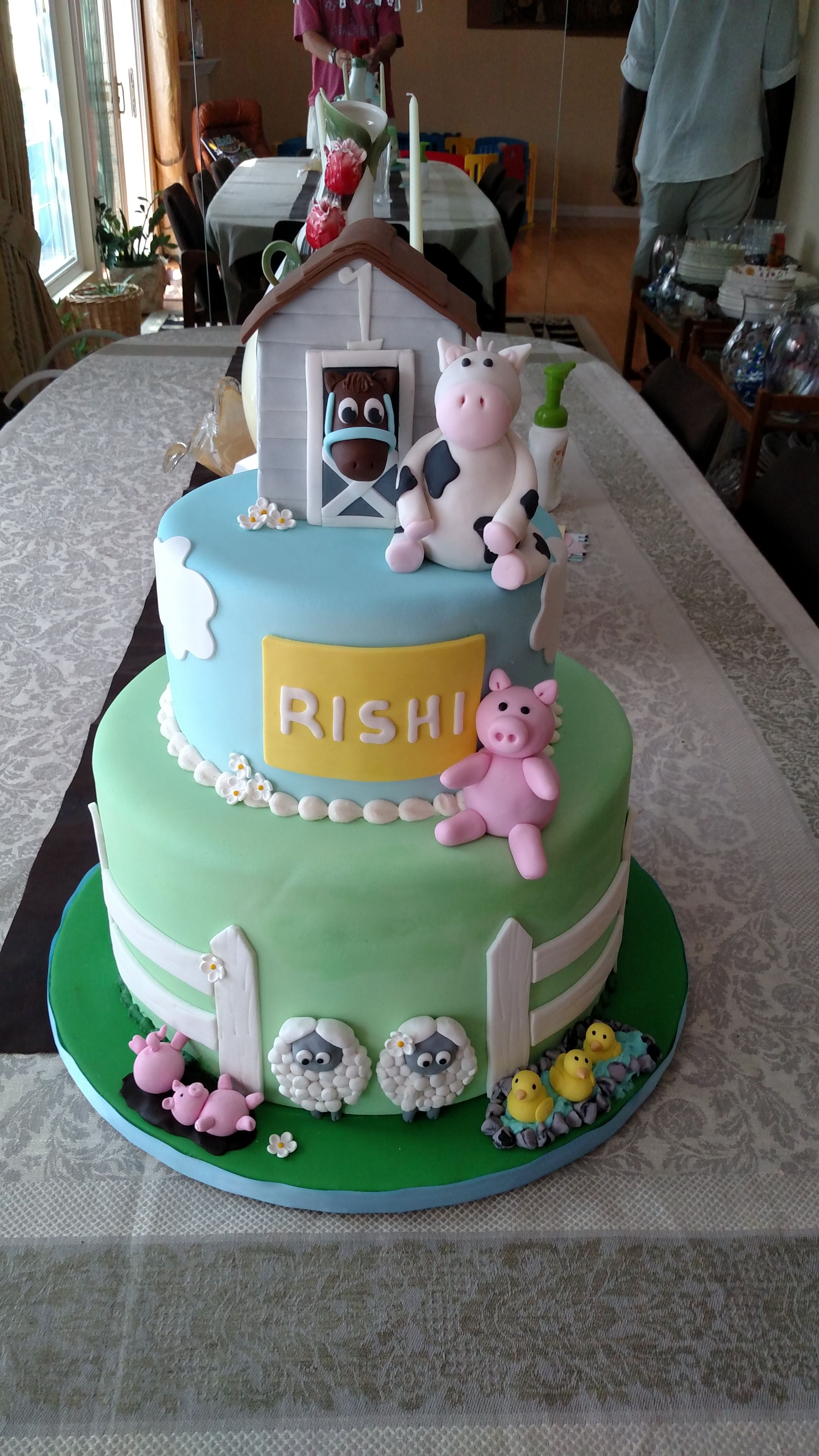 Barnyard Birthday by Bella Donna Special Events & Bakery