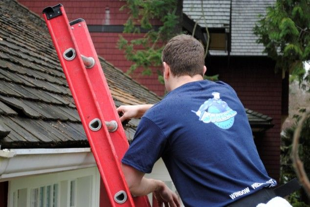 Gutter Cleaning Services Price Vancouver, BC, 7782376486 reliable services http://www.streakfighters.ca/residential/house-gutter-pressure-clean/