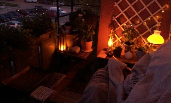 Beautiful kerosinlamps spread warm light in the evening