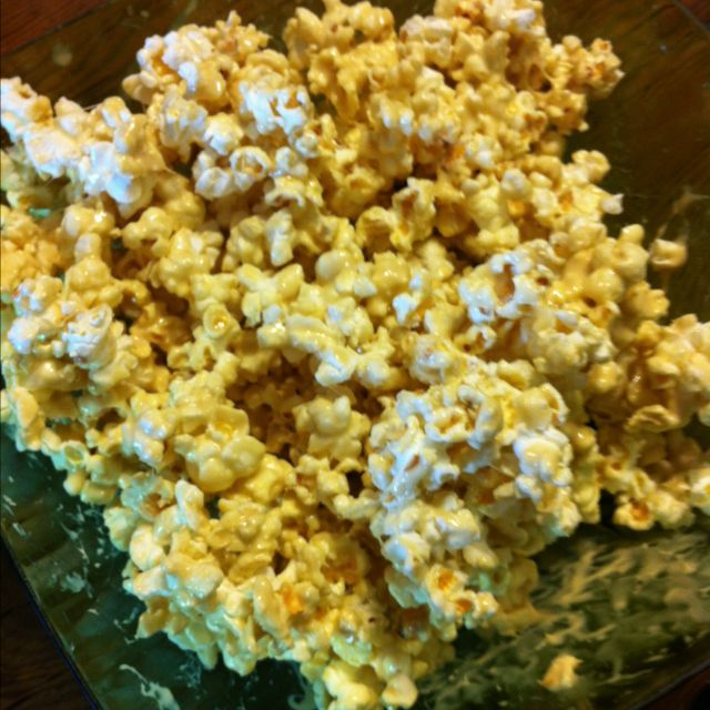 Marshmallow Popcorn.. Great treat to make with your children.. Easy to make and yummy....