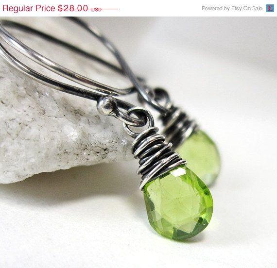 CIJ SALE Peridot Earrings, Sterling Silver August Birthstone Earrings, Neon Lime Green Drop Dangle Earrings, Genuine Gemstone Jewelry sur Etsy, $25.42 CAD