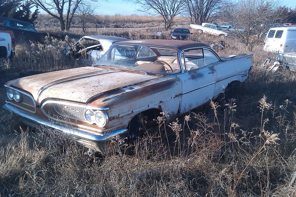 1959 Pontiac Bubble Top | Abandoned cars | Junkyard cars