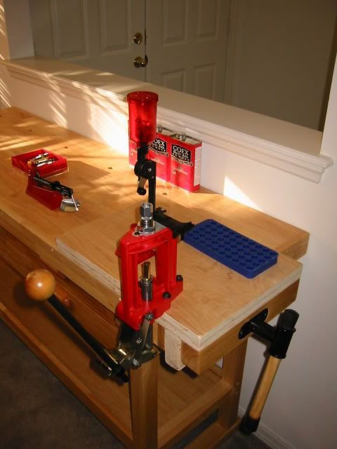 Pin By Wilfredo Rivera On Reloading Bench In 2020 Reloading Bench Reloading Table Reloading Room