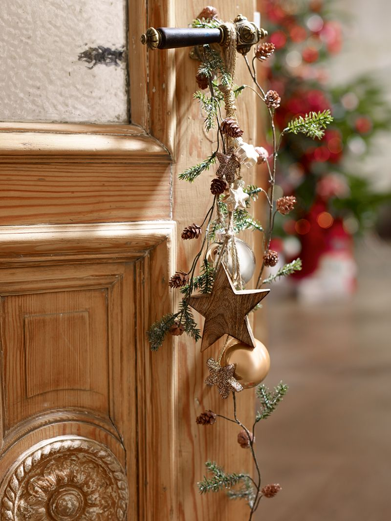 unglaublich Weihnachtlicher Tuerschmuck Part - 2: DIY Weihnachtlicher Türschmuck in natürlichen Farben