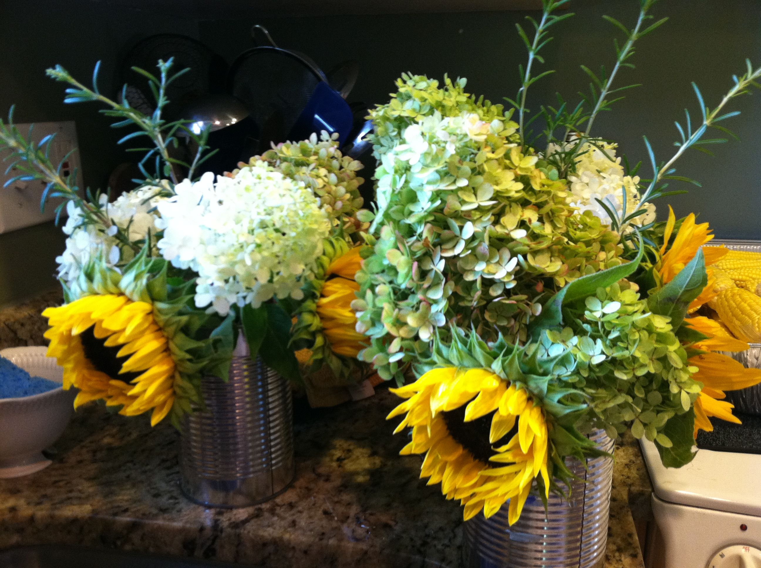 Sunflowers color scheme cheap flower arrangements michelles cheap flower arrangements izmirmasajfo