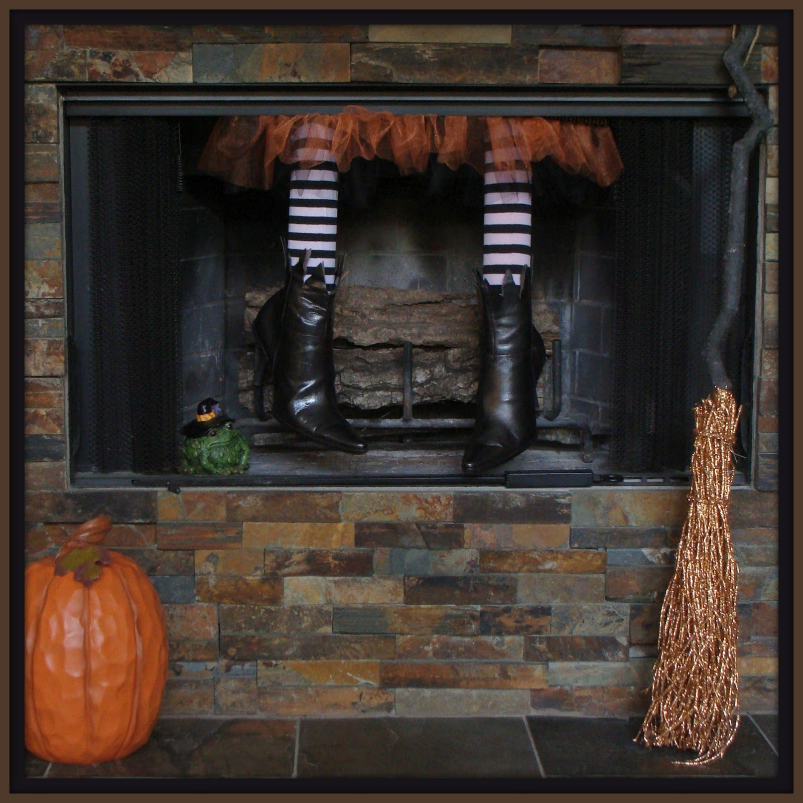 Fireplace Halloween Decorations: Crafty In Crosby: Fireplace Witch