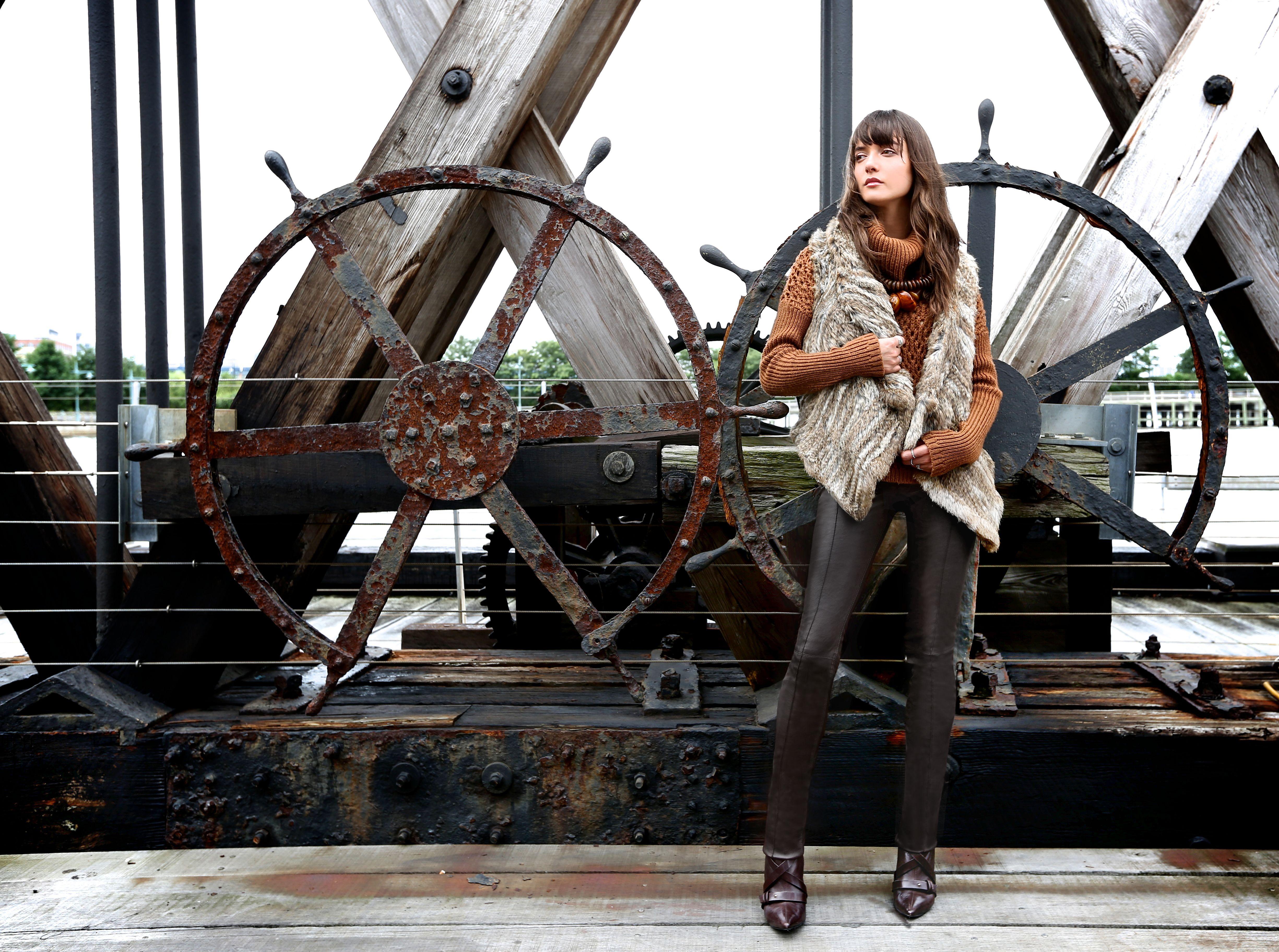 More Knitting Wheel Fashions : We love a cozy fur knit! o girls pinterest models posts