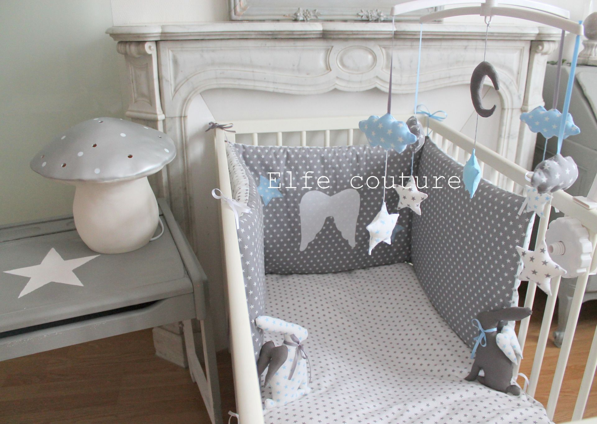 tour de lit r versible petit prince 60x120 tons blanc gris bleu layette toil s appliques. Black Bedroom Furniture Sets. Home Design Ideas