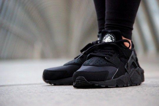 Nike Air Huarache Triple 2014 Chez Footlocker Noir De faible frais d'expédition choix de jeu dernière ligne achat en ligne TKet7