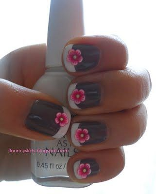 Gray Flower Nails