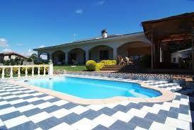 Superbe Villa Pour Plusieurs Familles Avec Piscine Privée Et Terrasse  Couverte Pour Des Longues Soirées D