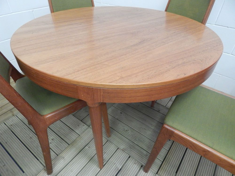 Farso Stolefabrik Solid Teak And Rosewood Round Retro Dining Table Best Retro Dining Room Tables Inspiration