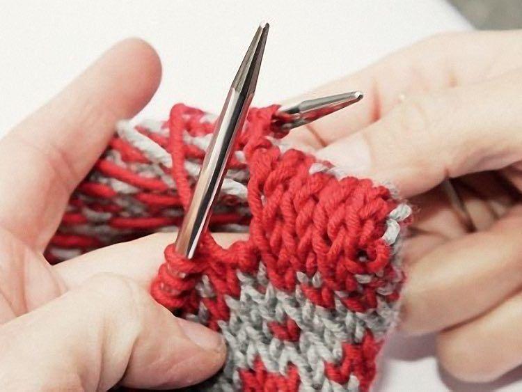 Tutorial DIY: Zrób na drutach poduszki o wzorze norweskim przez DaWanda.com