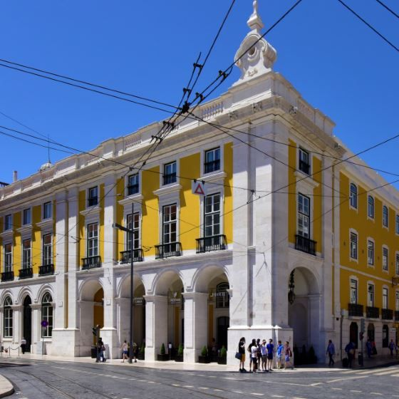 Welcome to the Pousada de Lisboa, a majestic eighteenth century building.