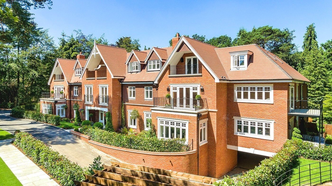 An Exclusive Collection Of Ten Spacious Three Bedroom Apartments In Sunninghill Designed For Millgate Residential Architect London Architecture House Exterior