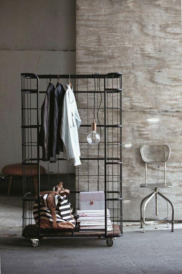 Cool Ankleidezimmer selber bauen Gitter Kleiderschrank auf Rollen