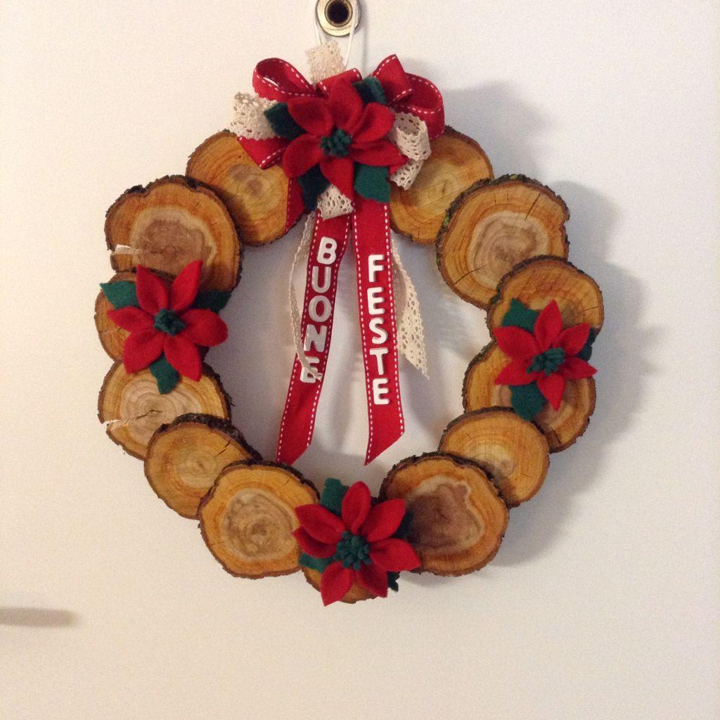 Lavoretti In Legno Per Natale con dei dischetti di legno ho realizzato una ghirlanda (con