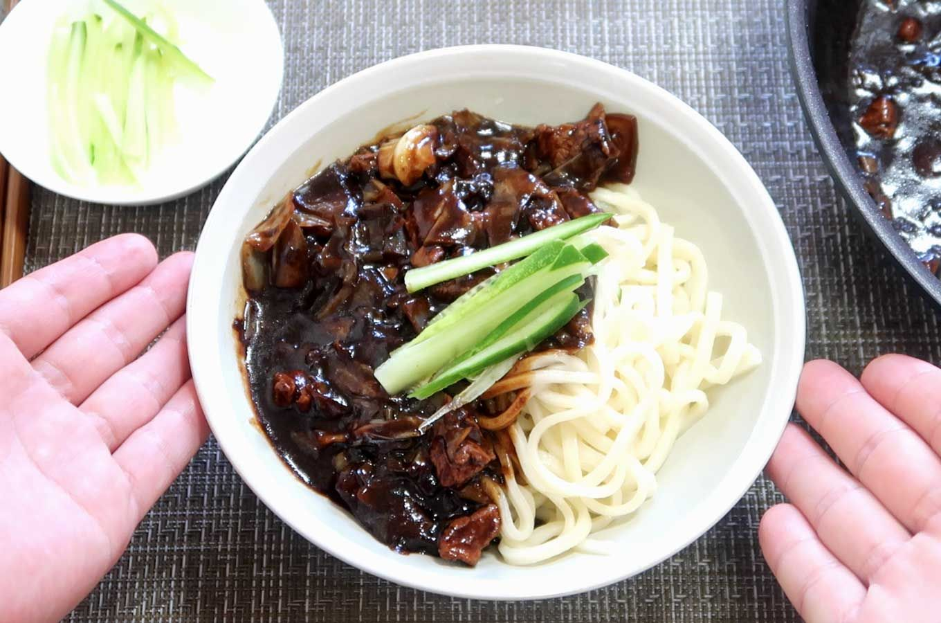 Jajangmyeon Noodles Korea S Favorite Chinese Dish Recipe Popular Chinese Food Chinese Dishes Asian Recipes