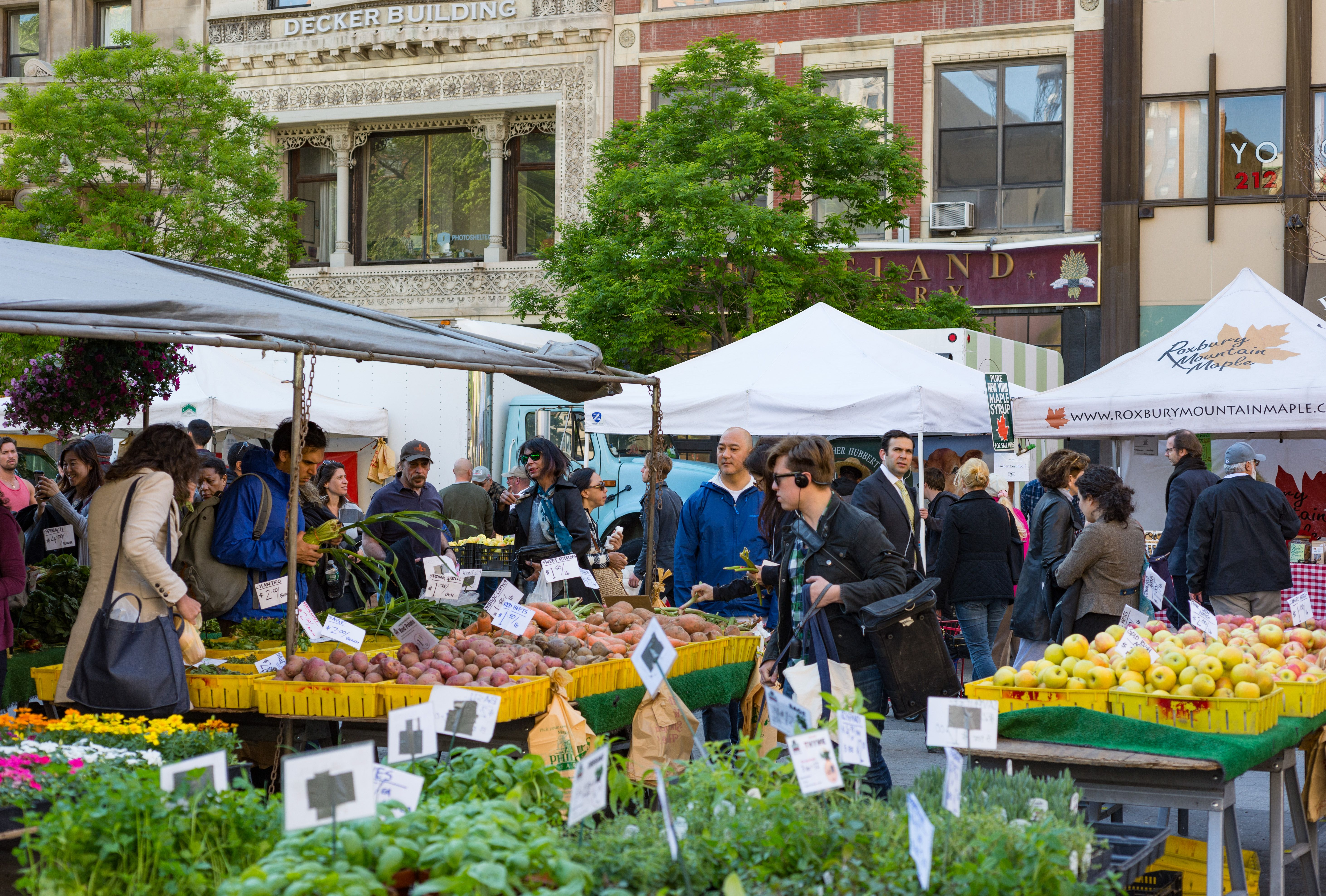 Tens Of Thousands Of People Are About To Lose The Ability To Buy Fresh Food At Farmers Markets Fresh Food Farmers Market Modern Farmer