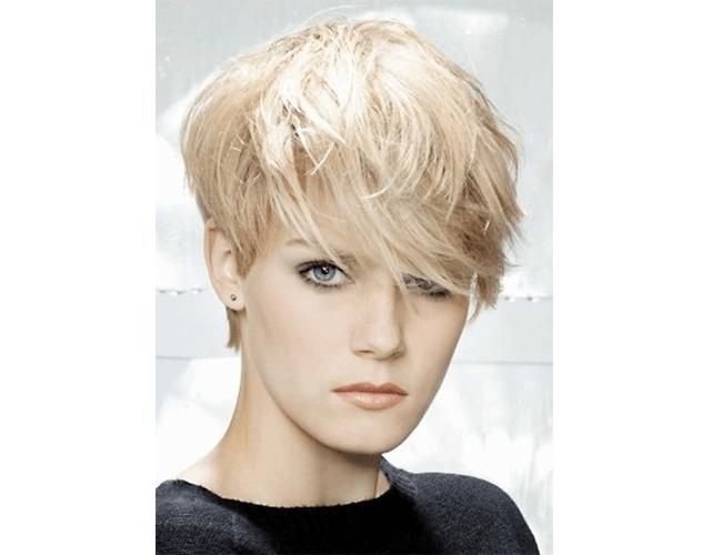 Peinado corto Pixie Cut Bangs