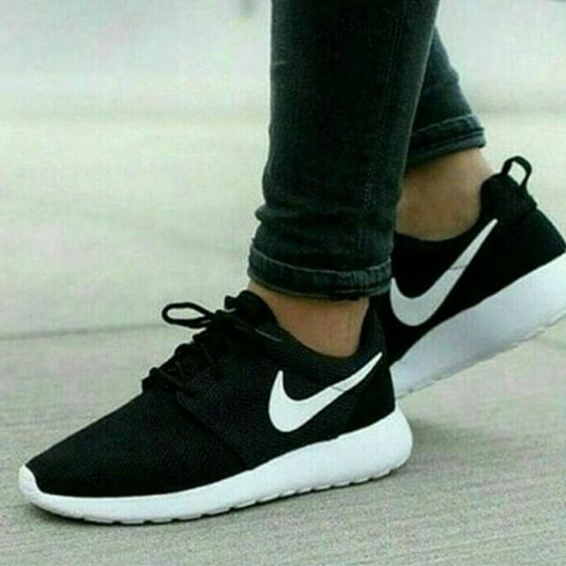 ISO Black/White/Volt Nike Roshe Looking for these exact roshes in a Thank  you :) Nike Shoes Athletic Shoes