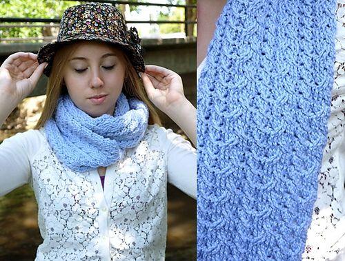 Ravelry: Crochet patrón Cables Capucha por Linda Skuja