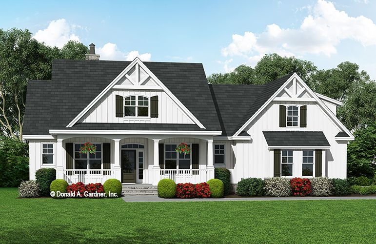 Home Plan The Thomasina W Pin 1497 This Modern Farmhouse Enjoys The Best Of Both Worl Farmhouse Style House Plans Farmhouse Style House House Plans Farmhouse