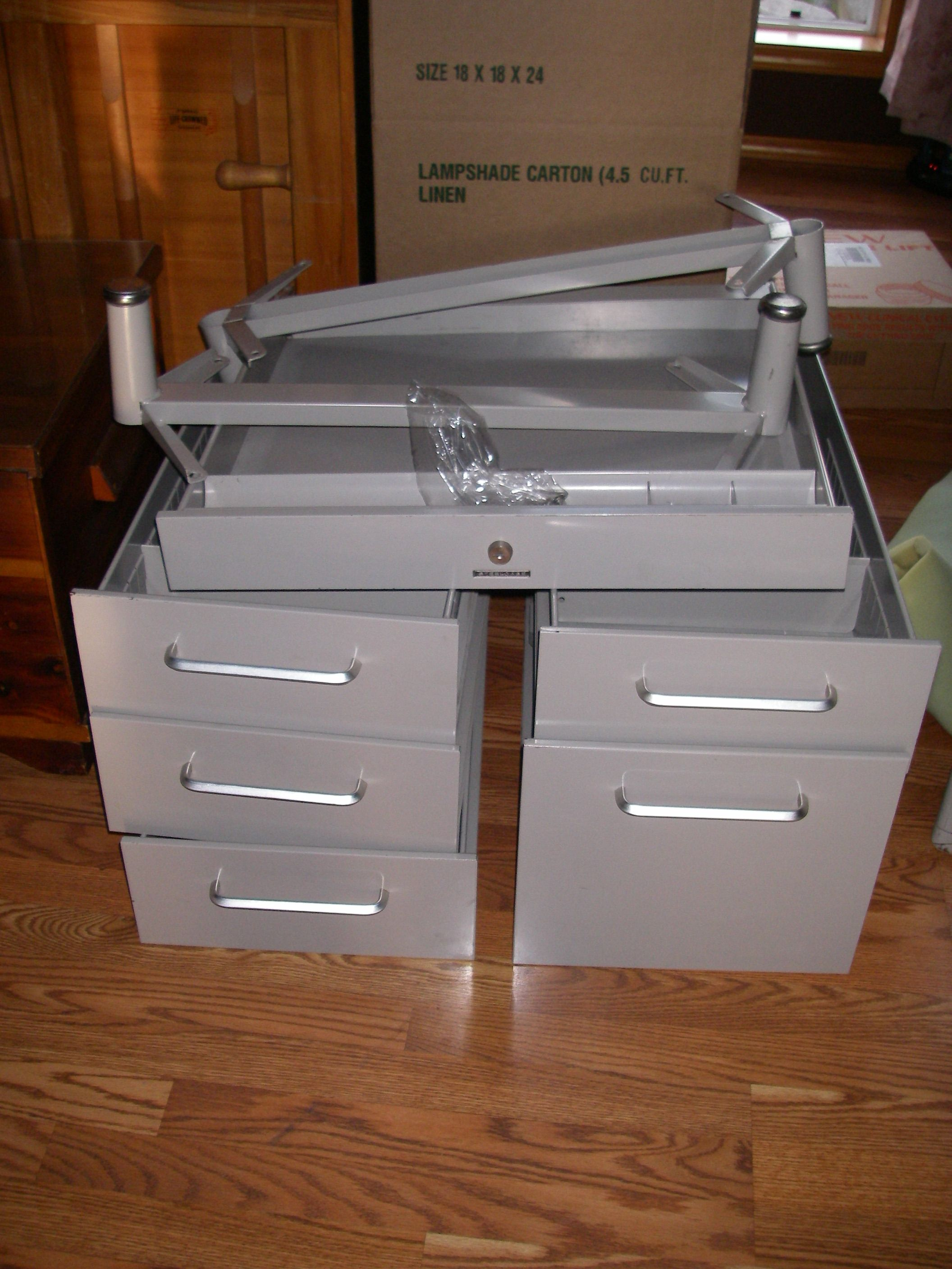 31 days of decorating with re purpose painting old metal desks rh pinterest ca