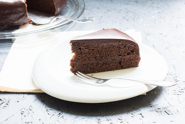 Sachertorte - Klassiker aus Österreich (a classic or traditionell cake from Vienna, Austria - Sacher & a heaven for chocolate lovers) by Lunchforone