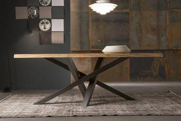 Table à manger en bois naturel à pieds croisés en acier de design