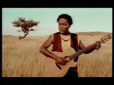 Lokua Kanza - Mutoto.  Enviado em 7 de out de 2009 Clip de l'artiste Lokua Kanza, extrait de son premier Album. www.lokua-kanza.com www.myspace.com/kanzalokua