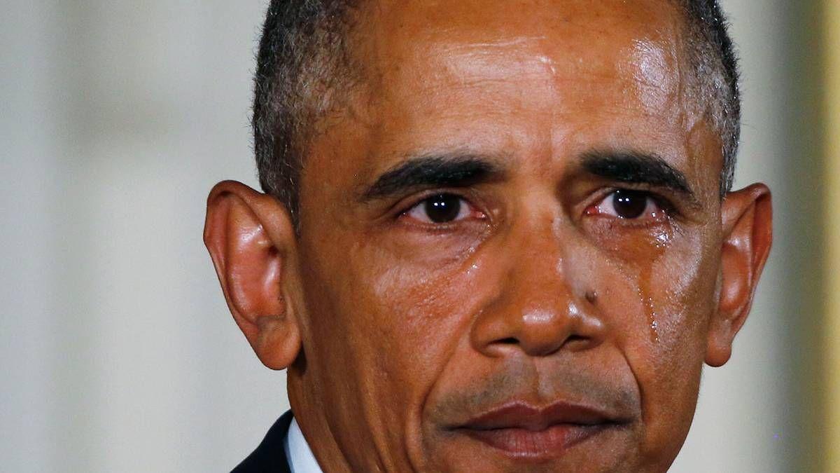 Obama i tårar i tal om vapenlagar   Nyheter   Aftonbladet