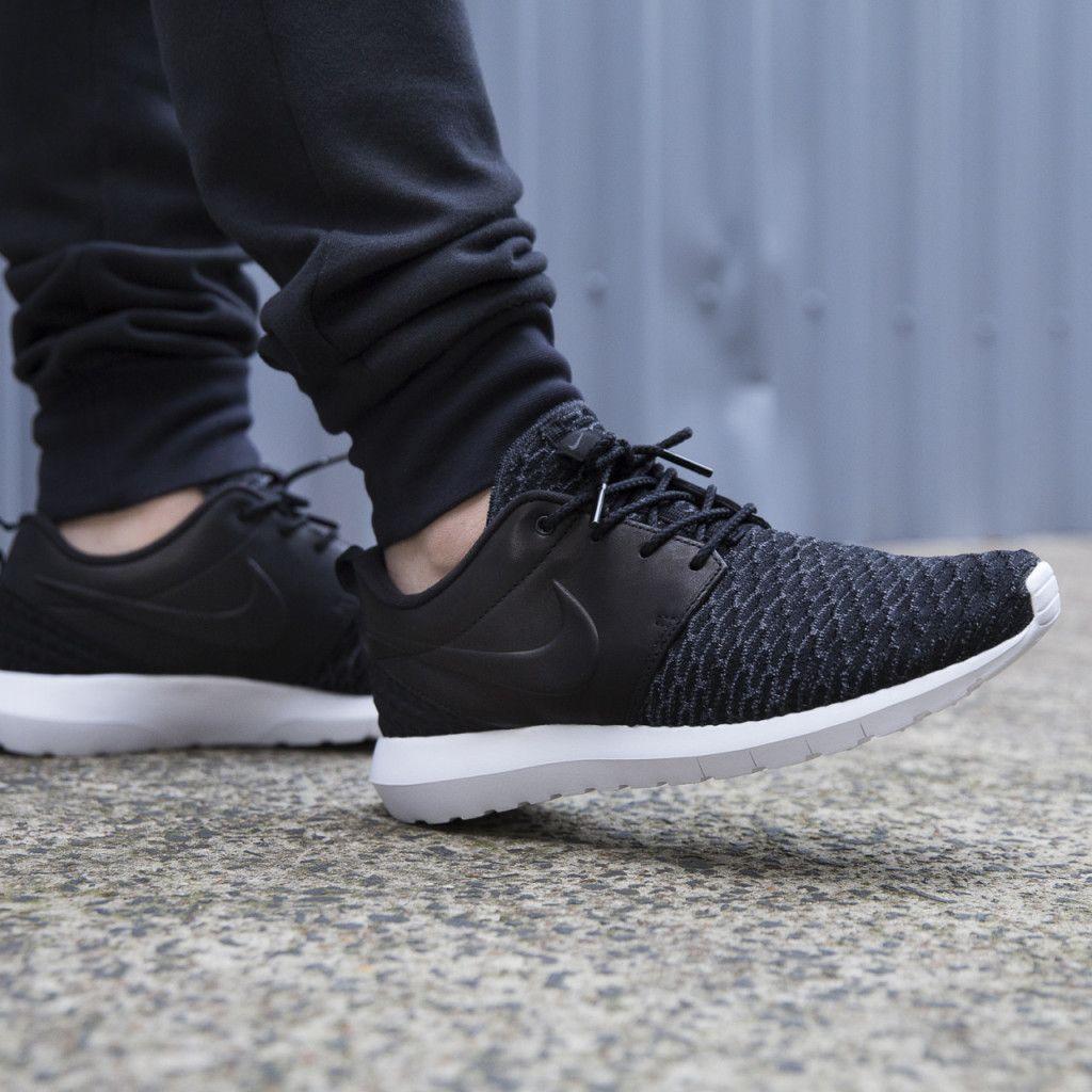 Nike Hommes Roshe Une Flyknit