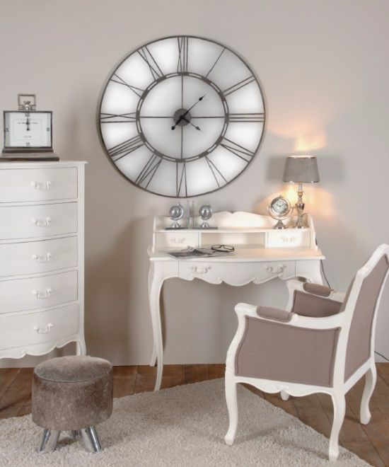 Silla escritorio y sinfonier de estilo vintage blanco for Muebles romanticos blancos