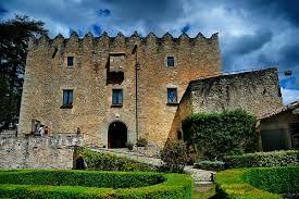 Resultat d'imatges de castell de montesquiu