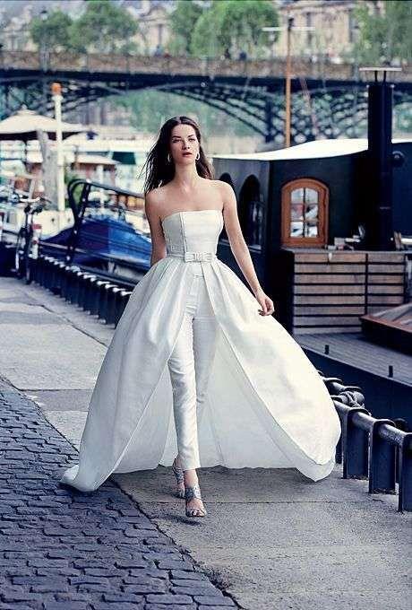 vestido de #novia desmontable compuesto por una #sobrefalda encima