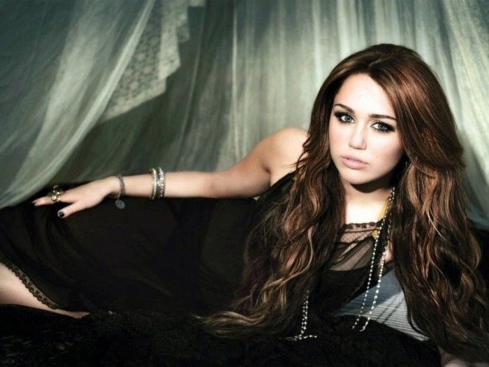 Miley Cyrus Hd Wallpapers 2012