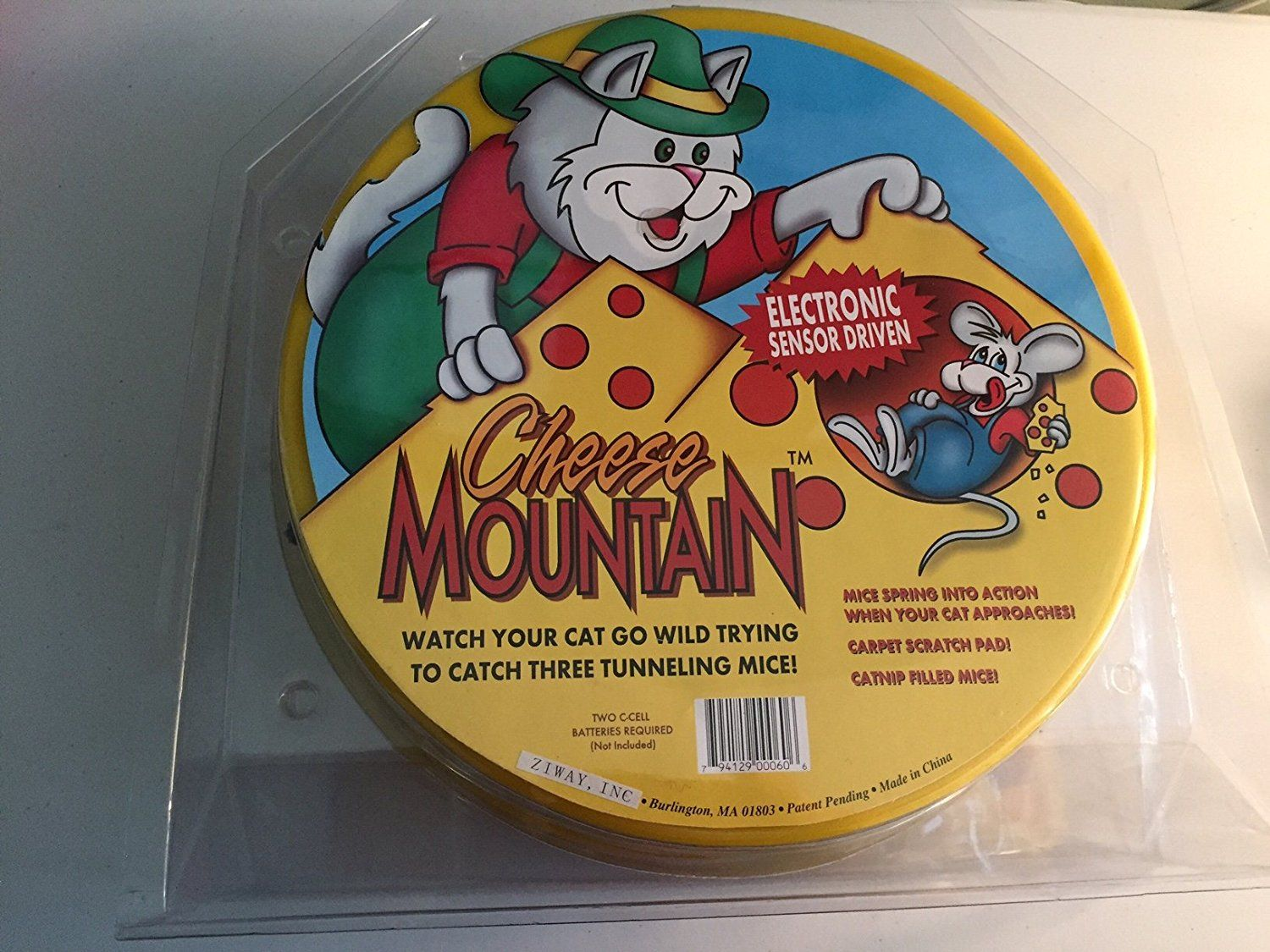 Cheese Mountain Motion Activated Cat Toy You Can Get Additional Details At The Image Link This Is An Affiliate Link And I Receive Cat Toys Cat Fleas Cats