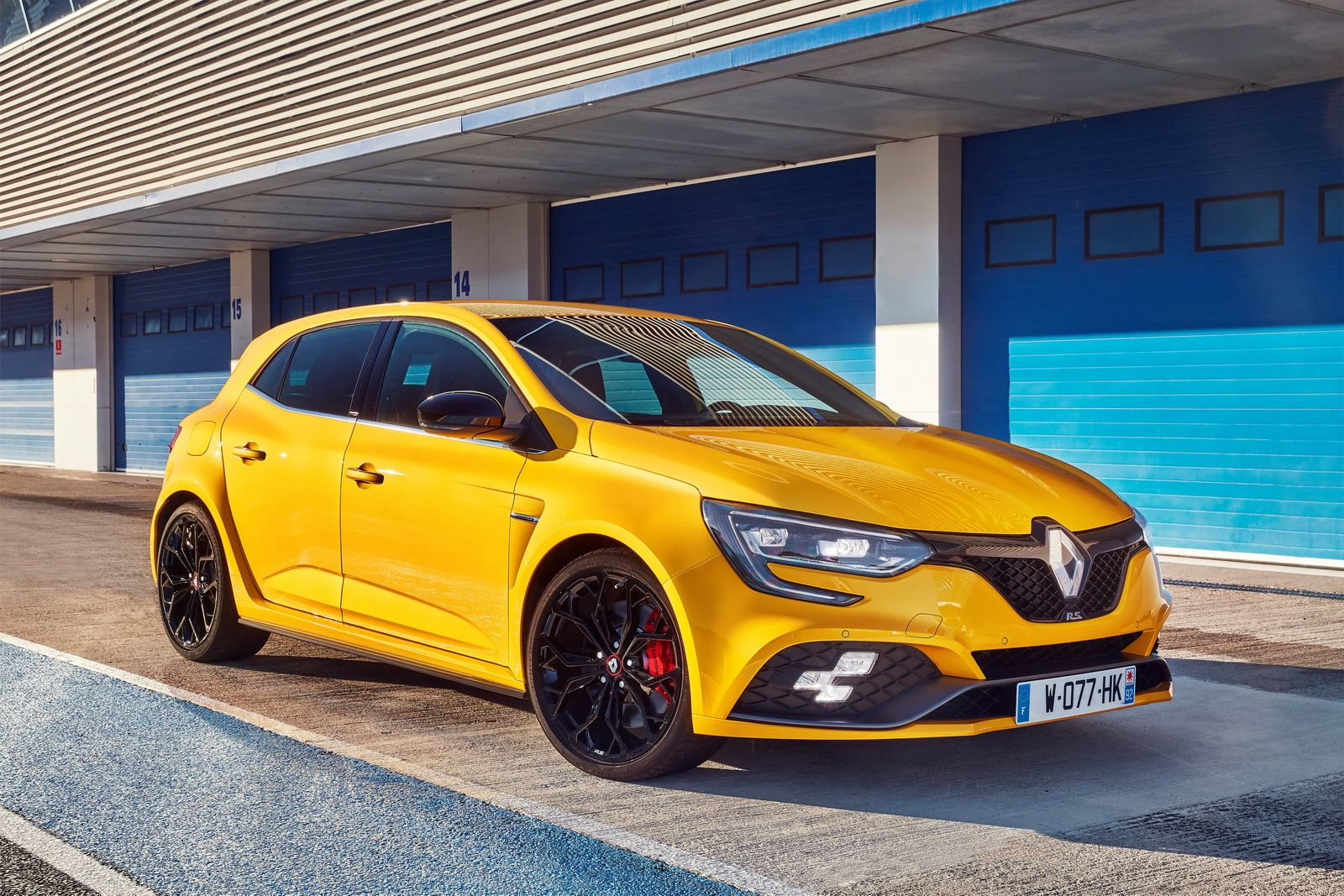 New Renault Megane Rs Detailed In 132 Images Carscoops Renault Megane New Renault Renault
