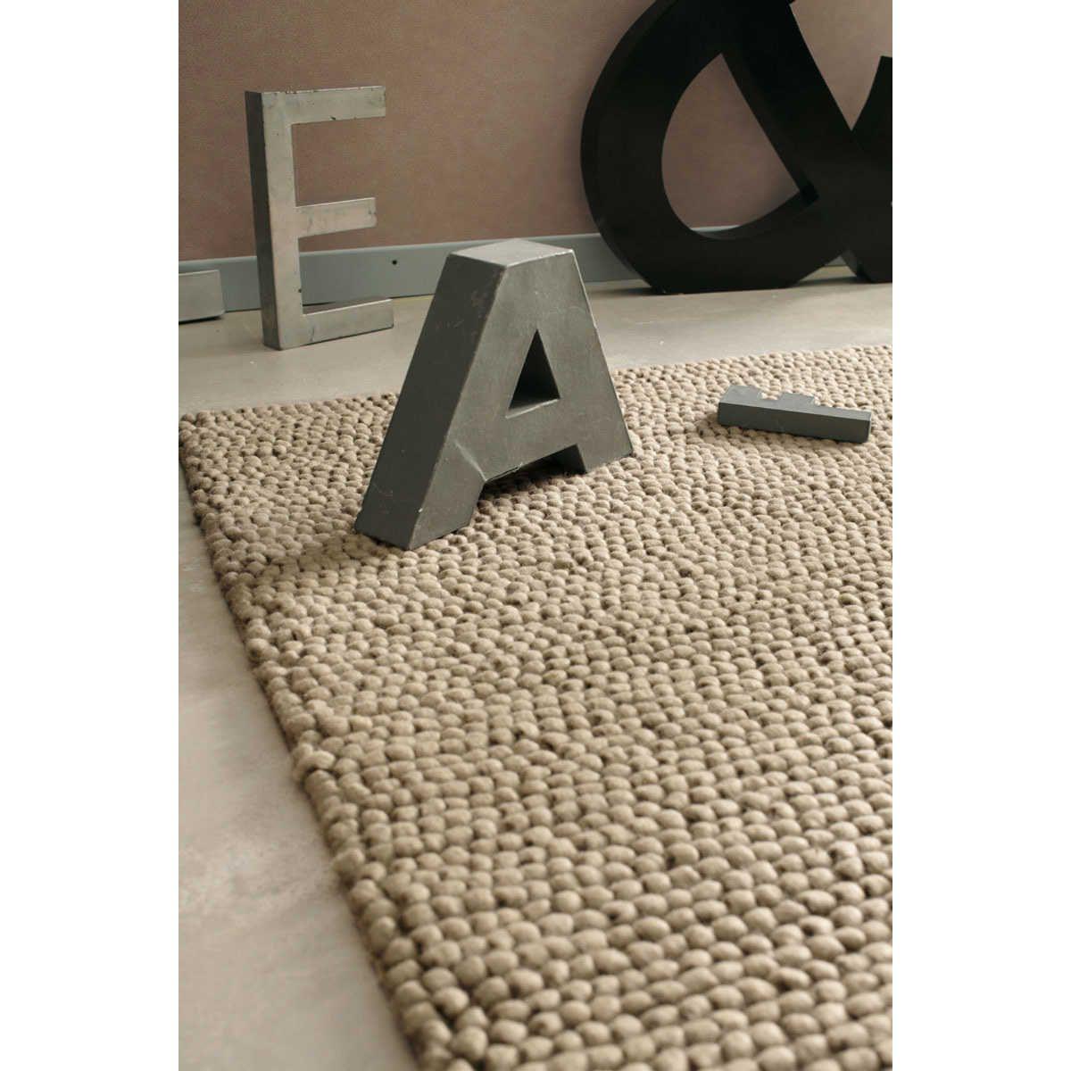 Tapis en laine beige 140 x 200 cm INDUSTRY | salon | Pinterest ...